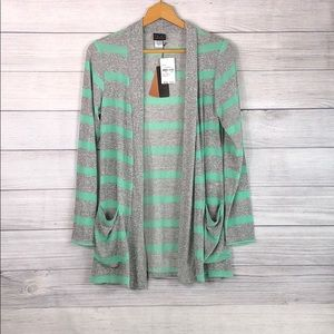 NWT - Mod Lusive - Grey/Green Cardigan w/ Pockets